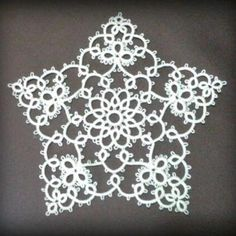 Tat-a-Renda shares a free downloadable pattern for this lacy tatted star.