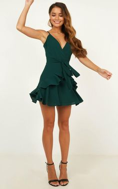 Promotion dresses - Feels Like Love Dress In Forest Green Produced – Promotion dresses Winter Formal Dresses, Winter Dress Outfits, Casual Dress Outfits, Short Formal Dresses, Short Green Dress, Mini Dress Formal, Outfit Winter, Formal Prom, Dress Black