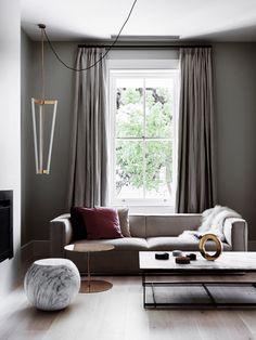 cortina cinza na parede cinza