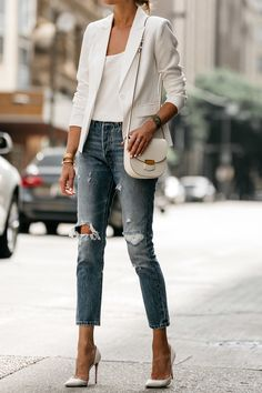 White Blazer Distressed Jeans Outfit, Street Style, Dallas Blogger, Fashion Blogger