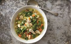 What to eat when recovering from a cold or flu: Robust Chicken Soup - Rebecca Katz Healthy Soup, Healthy Cooking, Healthy Eating, Healthy Mind, Healthy Foods, Clean Eating, Kitchen Recipes, Paleo Recipes, Soup Recipes
