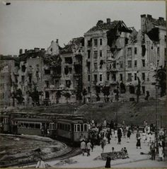 Széll Kálmán (later Moscow) Square, Budapest, 1945