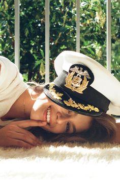 Kendall Jenner debuta como fotógrafa ao assinar ensaio com Kaia Gerber