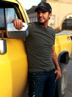 Luke Bryan, Georgia born and raised, famous country music singer. Country Music Artists, Country Music Stars, Country Singers, Country Men, Country Girls, Country Strong, Shake It For Me, Bae, Jason Aldean