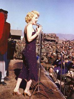 Marilyn Monroe, KOREA 1954
