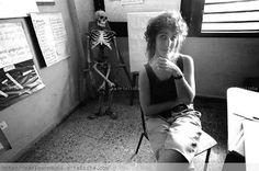 """UNA CUBANA LE ESCRIBE A SU TÍA QUE VIVE EN MIAMI Escrito por JOSÉ LUIS AMIEIRO Que bien hiciste mi tía en irte para el carajo. Esto cada día se pone más imposible para vivir. En vez de la """"Nave de los Locos"""", es """"La Isla del Loco"""".... http://www.conexioncubana.net/sepulturero/3368-una-cubana-le-escribe-a-su-tia-que-vive-en-miami"""