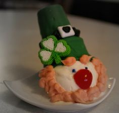 Ice Cream Cone Leprechaun - looks like they are time consuming & messy, but VERY cute!