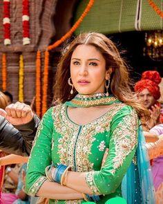 Baby Salman teasing Anushka its so cute #BabyKoBassPasandHai