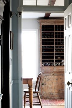 vintage home decor Home Tour // This 1980 Country Cottage is so Full of Character That It Feels a Century Older The Grit and Polish Wabi Sabi, Ikea, Amazing Decor, Country Decor, Country Cottage Decorating, Country Cottage Interiors, Rustic Interiors, Rustic Decor, Vintage Home Decor