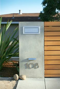 Entry Fence With Address Modern Landscaping Shades of Green Landscape Architecture Sausalito, CA - Mailbox - Letterbox - House Number Front Gates, Front Yard Fence, Entry Gates, Entrance, Fence Gate, Horse Fence, Mailbox Landscaping, Backyard Fences, Modern Landscaping
