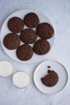 Chokolade cookies http://anneauchocolat.dk/kager/chokolade-cookies-og-skam/