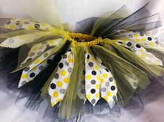 Birthday tutu  12 to 18 months  black yellow by MichelejustoneL