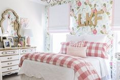 Floral Big Girl Room