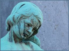 Ange pere lachaise Monuments, Gardens Of Stone, Metro Paris, Pere Lachaise Cemetery, Cemetery Art, Paris City, Covered Bridges, Garden Statues, Lion Sculpture
