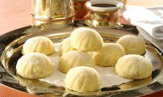 Biscoitos (Mamoul) -O mamoul nada mais é do que gostosos biscoitinhos de semolina, ótimos para acompanhar o chá de hortelã.