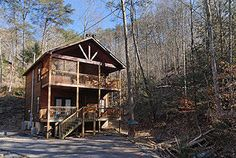 Pigeon Forge, TN: Pigeon Forge chalet rentals:  American Spirit, Pine Haven 379 is a charming 1 bedroom, 1 1/2 bath chalet located in a quiet wooded area about 3 miles ...