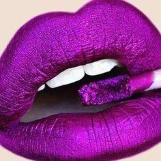 Dark pink lips in Taffeta color Metallic Lipstick, Lipstick Art, Purple Lipstick, Pink Lips, Lipstick Colors, Lip Colors, Liquid Lipstick, Natural Lipstick, Lipstick Queen