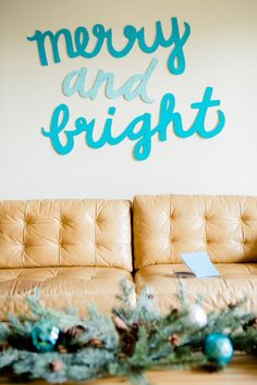 DIY Merry and Bright Holiday Sign #splendidholiday