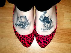 white rabbit mad hatter feet tattoos Ink in Wonderland: 25 Mad Alice in Wonderland Tattoos Foot Tattoos, Cute Tattoos, Beautiful Tattoos, Girl Tattoos, Tatoos, Awesome Tattoos, Beautiful Body, Tasteful Tattoos, Heart Tattoos