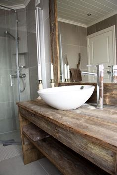Wow! Vanity Countertop and mirror from recycled materials