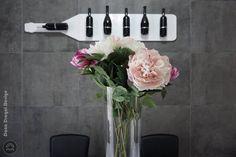 #danadragoi #design #interiordesign #interiordesignideas #tenerife #santacruz #canarias #canaryislands #wine #flowers #stone #dining Tenerife, Interiores Design, Wine, Dining, Flowers, Food, Florals, Teneriffe, Flower