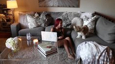 Jaclyn Hill's living room - love-love-love the furniture and decor...♥