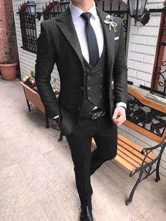 black wool three piece suit for wedding. For inquiry whatsapp or … – [pin_pinter_full_name] black wool three piece suit for wedding. For inquiry whatsapp o… Dark Gray Suit, Black Suits, Black Groomsmen Suits, Dark Grey, Gray Suits, Mode Masculine, Stylish Men, Men Casual, Smart Casual