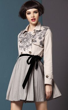 Beige Floral Print Contrast Pleated Dot Print Hem Coat on Feeluxury