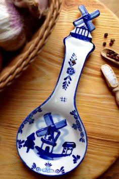 Delf Blue Kitchen Spoon Windmill - DutchNovelties.com - #windmill #spoon #rest #spoonrest #delft #dutch #blue #ceramics #kitchen #cook #gift #ideas #products
