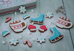 Ice skate Christmas cookies | Winter Fun Gingerbread Gift Set ♡