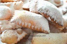Chiacchere ripiene di nutella Biscotti, Nutella, Fruit, Food, Tutorial, Lovers, Essen, Yemek, Cookie