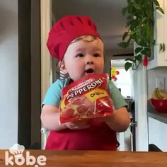 Cute Funny Baby Videos, Funny Baby Memes, Cute Funny Babies, Funny Videos For Kids, Funny Short Videos, Funny Video Memes, Crazy Funny Memes, Funny Cute, How To Make Pizza