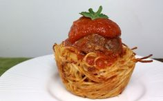 Pasta and Meatball cupcakes--link to this is a food blog with tons of weight watchers recipes with points plus listed