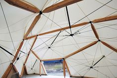 Hybrid tensile fabric/cable stay structure Cutty Sark Pavilion by BAKOKO, via Behance Film Structure, Membrane Structure, Bamboo Structure, Fabric Structure, Architecture Details, Interior Architecture, Temporary Architecture, Tensile Structures, Warehouse Design