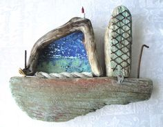 Boat made out of driftwood Doo it - just doo it: strandingstræ