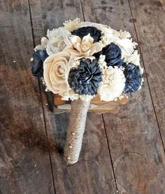 Navy accents for the bridesmaids!