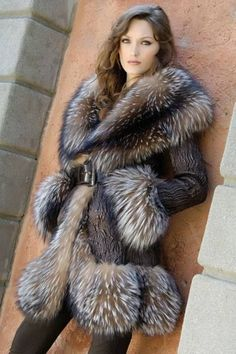 fur fashion directory is a online fur fashion magazine with links and resources related to furs and fashion. furfashionguide is the largest fur fashion directory online, with links to fur fashion shop stores, fur coat market and fur jacket sale. Fur Fashion, Fashion Photo, Winter Fashion, Lila Outfits, Estilo Cowgirl, Looks Style, My Style, Fabulous Furs, Mink Fur