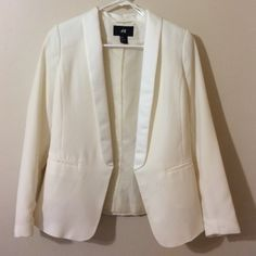 H&M Ivory blazer Brand new! Only used once and you can't even notice! H&M Jackets & Coats Blazers