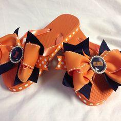Illini bow flip flops #bjsbowbows #bow #bowflipflops #flipflops #fightingillini #illini #summer #sweetsummertime #illinois #uofi