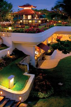 Salsa bar at Grand Hyatt Bali, situated on the hill overlooking the beautiful views and gardens