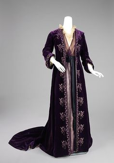 These fine imperial purple dress robes from Ara Primolius are part of their winter collection. The silver embroidery is goblin made and enchanted with cleaning charms which keep the whole robe clean. (captioned by the magnificent essayofthoughts)