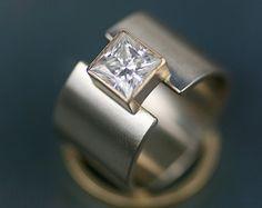 """unico 14k oro banda larga anello nuziale - anello engagment alternativo di moissanite principessa """"lunar eclipse"""" banda larga - banda di nozze"""