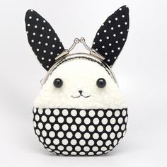 Hi lil bunnie . . . u wanna hop on into my bag?