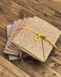 Set of Travelers Notebook Insert, Midori Art journal. Gift for the artist, for creative women, Insert junk journal, refillable papers Handmade Notebook, Handmade Journals, Handmade Books, Yarn Crafts, Paper Crafts, Notebook Art, Book Binding, Leather Journal, Book Making