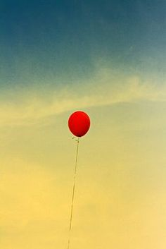 one red balloon... 99 red luft balloons! Oh, 80's how I loved you!!