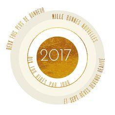 Soyez dans le mille pour cette année 2017 avec cette carte de voeux façon cible et au joli dégradé de beige, blanc et or. Souhaitez de jolies choses, cela fait toujours plaisir !! Une création originale qui existe en plusieurs couleurs signée Popcarte !