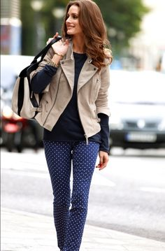83 Fall & Winter Office Outfit Ideas for Business Ladies 2018 Winter Office Outfit, Winter Outfits For Work, Office Outfits, Spring Outfits, Casual Outfits, Office Fashion Women, Womens Fashion For Work, Fashion Mode, Woman Fashion