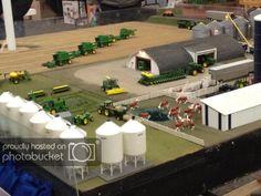 The Penner Display - Winkler Toy Show John Deere Toys, Farm Layout, Toy Display, Farm Toys, Mini Farm, Model Train Layouts, Hobby Farms, Model Trains, Farm Life