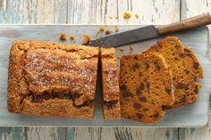 Easy Gluten-Free Pumpkin Bread made with baking mix: King Arthur Flour Baked as muffins. Gluten Free Baking Mix, Gluten Free Pumpkin Bread, Gluten Free Treats, Classic Zucchini Bread Recipe, Nut Bread Recipe, Date Nut Bread, How To Make Bread, Quick Bread, Pumpkin Recipes