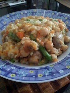 Por el Día de la Madre: Agarbanzado de arroz integral con vegetales al dente y champignones.